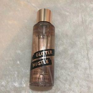 🆕Victoria Secret Glitter Hustle Mist